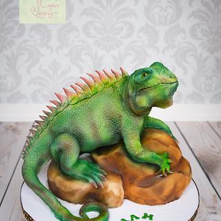 Iguana on a rock Cake