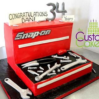 Snap-on Toolbox Retirement Cake