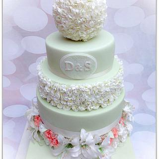 Sugar Lillies and Roses on a Vintage Green cake