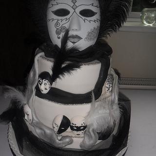 black/white harlequin masks wedding cake