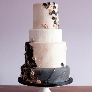 Wedding cake with textures and golds