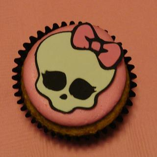 Monster High Cupcakes - Cake by Naturepixie