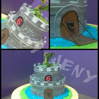 Castle Cake With Dragon - Cake by Jeny Dogani