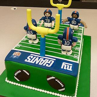 NY Giants Football Field Cake. Go Big Blue!
