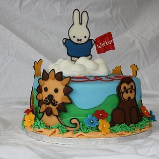 Welcoming miffy cake - Cake by Roos Simbula