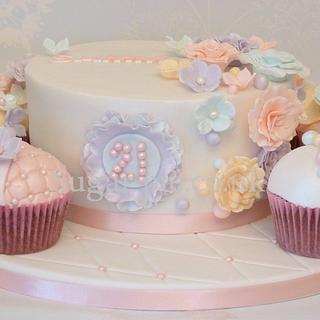 Ruffles & Blossoms cake board