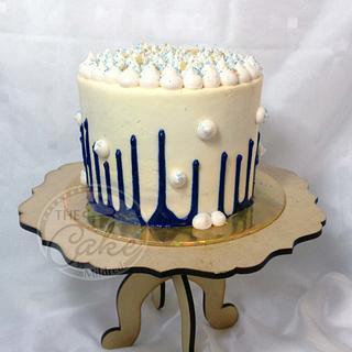 Upside down drip cake