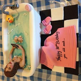 Lady in the bath - Cake by Sara Lamb