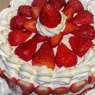 Strawberries galore - Cake by Regina Coeli Baker