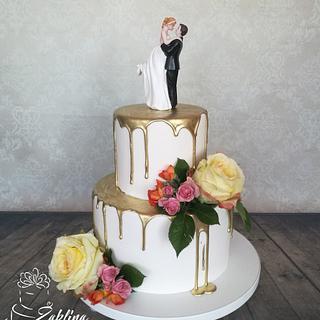 Wedding golden drip cake
