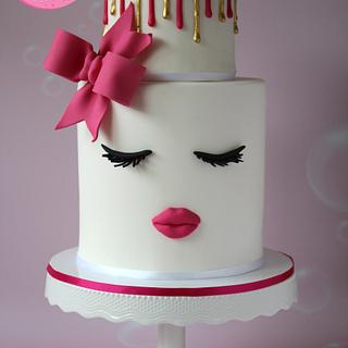 Lips and Lashes Cake