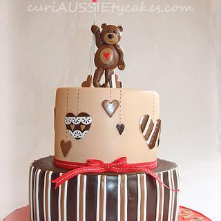 Balloon bear baby shower cake