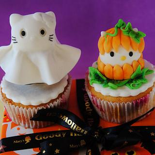 Halloween Hello Kitty Cupcake