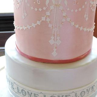 Lustred wedding cake