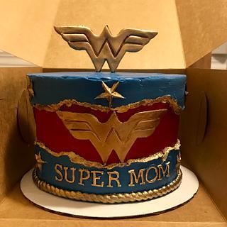 Wonder Woman fault line cake