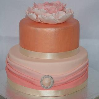 Elegant pink ombre cake - Cake by Yvonnes Custom Cakes