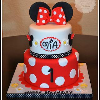 Red Minnie! - Cake by YummyTreatsbyYane