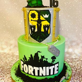 Fortnite/For Honor cake