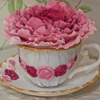My first cup and saucer topper, vintage style x  - Cake by Ellie @ Ellie's Elegant Cakery