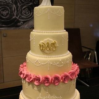 Champagne & Roses Weddingcake