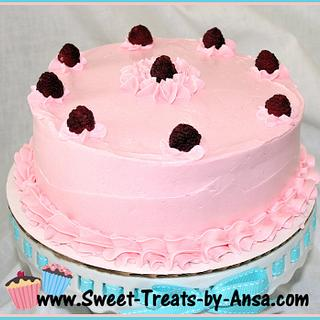 Sponge Cake with Raspberry filling & Swiss Meringue Buttercream