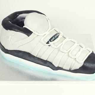 The Jordan Georgetown Sneaker by Judith Walli, Judith und die Torten - Cake by Judith und die Torten