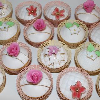 ... birthday cupcakes ...