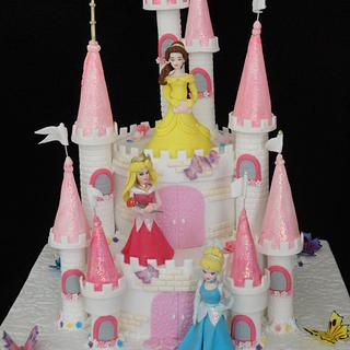 Princesses castle cake