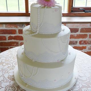 Pearls and lace wedding cake - Cake by Angel Cake Design