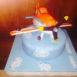 McQueen plane  - Cake by Maya Zantout
