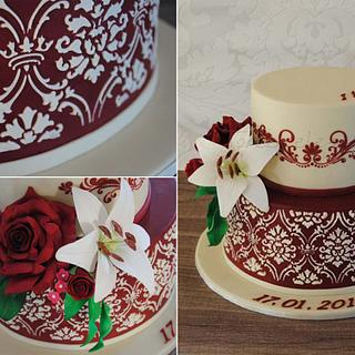 Bordeaux Red & Cream Wedding cake with Rose & Lily - Cake by Torteneleganz