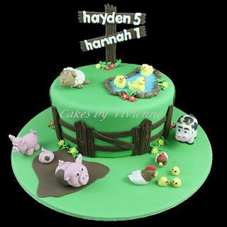 Farm Animals Birthday Cake - Cake by Cakes by Vivienne