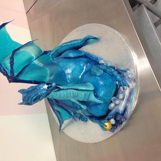 Dragon cake with isomalt wings