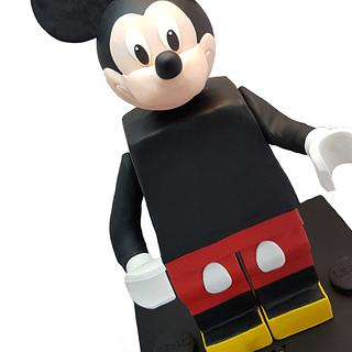 Mickey Mouse LEGO® Minifigure Standing Cake