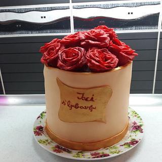 Box with sugar roses