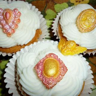 Vintage Cupcake - Cake by Cherie Permalino