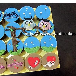 Couple Owls Cupcakes