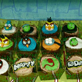 Angry birds themed birthday cake and cupcakes