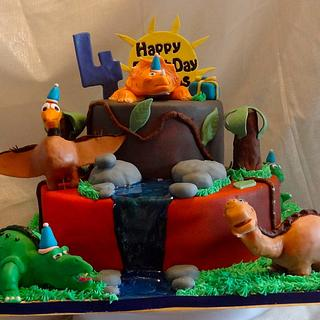 Land Before time - Cake by Heidi