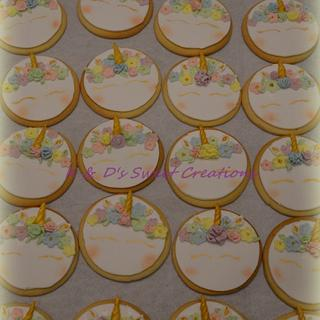 Unicorn cookies and cupcakes