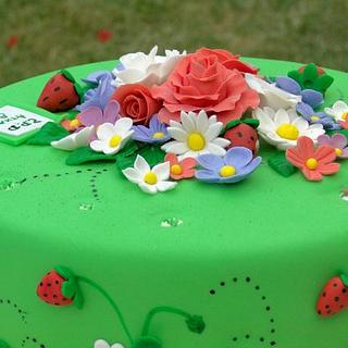 straw berry and flowers cake