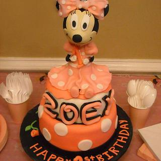 Minnie Mouse - Cake by MissasMasterpieces