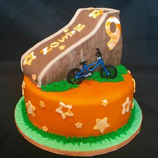 BMX bike - Cake by John Flannery