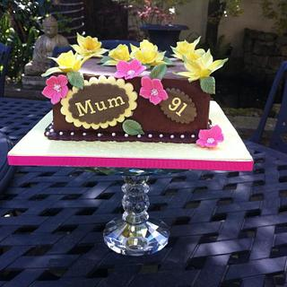 Pretty Chocolate Ganache Floral Cake