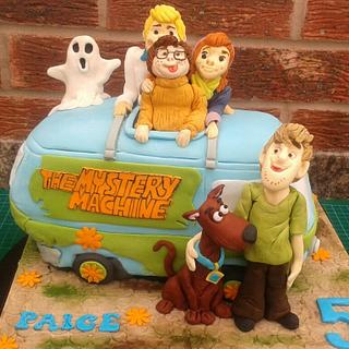 Scooby doo and the Mystery Machine - Cake by Karen's Kakery