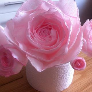 Edible Roses - Cake by Dinki Cupcakes