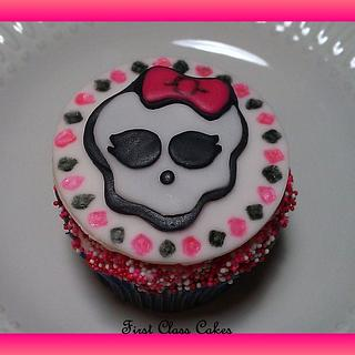 Monster High Cupcake - Cake by First Class Cakes