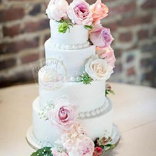 Timeless Floral Wedding Cake