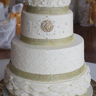 Ivory/ Gold Wedding cake