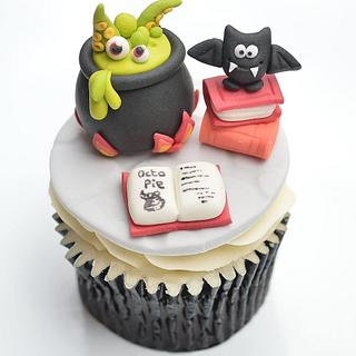 The Witch's Cauldron - National Cupcake Week - Cake by Yellow Bee Sugar Art by Vicky Teather